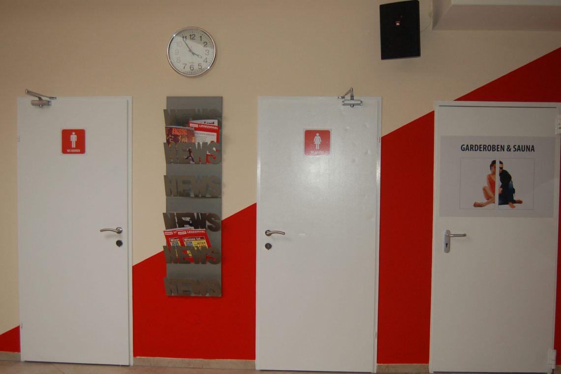 2007-Garderoben-Eingang-01